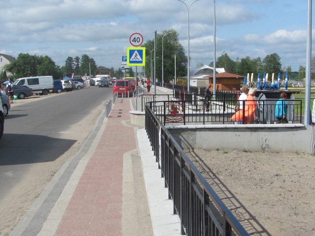 озеро Свитязь Шацкие озера новый тротуар для отдыхающих